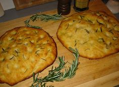 Pasta Pizza and Focaccia \ Massa de Pizza e Focaccia My Recipes, Italian Recipes, Bread Recipes, Real Food Recipes, Vegetarian Recipes, Yummy Food, Fun Food, Olives, Focaccia Bread Recipe