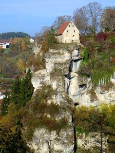 Joggingtour zwischen Bärenschlucht, Pottenstein und Teufelshöhle am 28.10.2015 - Film und Bilder von Thomas Schmidtkonz http://laufspass.com/laufberichte/2015/pottenstein-10-2015.htm #Pottenstein #Bavaria
