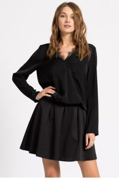 Bluza eleganta de seara din satin neagra cu decolteu in v Satin, Casual, Black, Dresses, Fashion, Vestidos, Moda, Black People, Fashion Styles