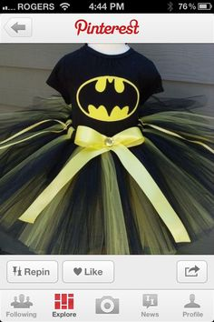 Fantasia mulher maravilha pinterest tutu costumes and wonder woman the girls are going to be bat girl for halloween but i think im going to make this instead of buying costume awesome hillary we can make batman even fandeluxe Choice Image