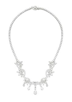 Piaget Necklace in 18K white gold set with 232 brilliant-cut diamonds and 40 pear-shaped diamonds.