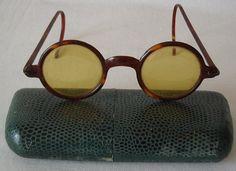 antichi occhiali da sole in tartaruga occh02