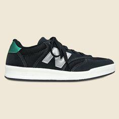 CRT300 - Black / Green New Balance - CRT300 - Black / Green