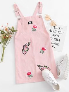Shop Floral Embroidered Patch Pinafore Dress at ROMWE, discover more fashion styles online. Cute Casual Outfits, Girly Outfits, Stylish Outfits, Vintage Outfits, Summer Outfits, Teen Fashion Outfits, Cute Fashion, Kids Fashion, Vetement Fashion