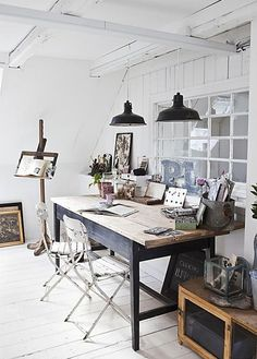 great sized table to use as a desk - like the simple decor
