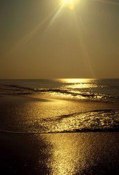 'Die Sonne und das Meer' by Ulrike Ilse Brück