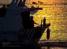 A pesca sul mare dorato. by GiovanniSantirocco