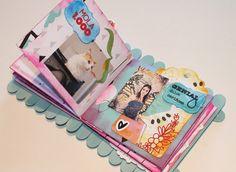 Mi flip flap flop book, o vaya, lo que es lo mismo, un mini álbum scrapbook Popsicle Stick Crafts, Craft Stick Crafts, Diy And Crafts, Mini Albums Scrap, Mini Scrapbook Albums, Diy Pallet Projects, Projects To Try, Creative Wall Decor, Jar Crafts