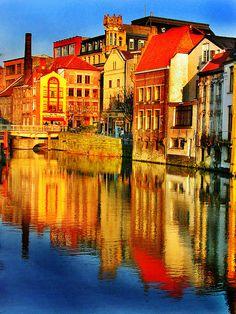 Reflejos de un Atardecer en Brujas ( Bélgica )