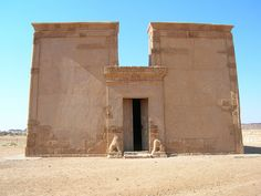 Musawwarat es Sufra temple. Sudan Ancient Aliens, Ancient Egypt, Ancient History, Cultural Architecture, Ancient Architecture, Timbuktu Mali, Ancient Discoveries, Archaeological Finds, Construction