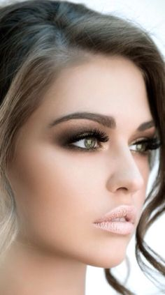 Learn how to make up on http://pinmakeuptips.blogspot.com/ #smoky #eye  #eyeshadow #beauty #makeup #bbloggers #tutorial #stepbystep #makeup #tutorial #pro #tools #skin #eybrows #eylashes #eyes #lips #conclusion #Pretty #brows #brown #tan