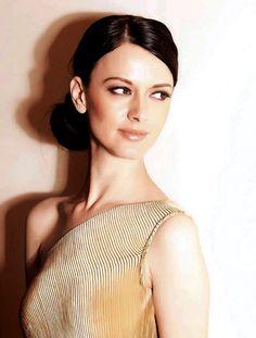 Serbian starlet Dijana Dejanovic's big moment - http://www.dnaodisha.com/entertainment/serbian-starlet-dijana-dejanovics-big-moment/5109
