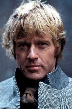 1975. Robert Redford in his famous wide herringbone tweed jacket in Three Days of the Condor.