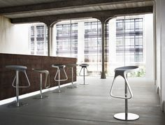 Mobilier restaurant bar hotel : tabourets de bar design Octo - Sledge