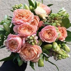 cool vancouver florist Janee created this beauty yesterday. Love the garden spray roses. Yes that's a multi bloom rose branch. Love the local Hyacinthus. This is the week. We will be posting some inspiration for Valentines. We have extended hours on the Sunday from 10 am to 5 pm and open all week. Preorder you bouquet . It's the best. #flowerfactory #valentinesflowers by @flowerfactory  #vancouverflorist #vancouverflorist #vancouverwedding #vancouverweddingdosanddonts
