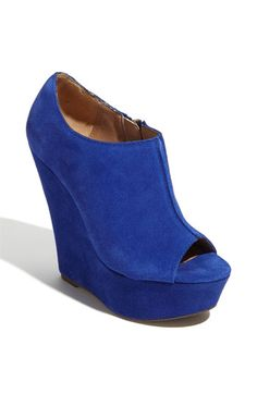 Blue suede, Steve Madden 'Whisttle' Pump...dying for some dark blue shoes