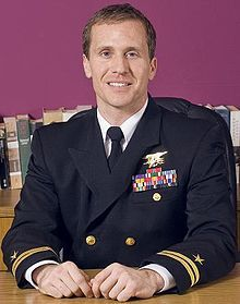 Eric Greitens - The Heart and The Fist: The Education of a Humanitarian, the Making of a Navy SEAL