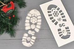 Santa Foot Print, Boot Print Santa Stencil, SNOW INCLUDED, Reusable Santa Stencil by OriginalMonkey on Etsy https://www.etsy.com/uk/listing/552787106/santa-foot-print-boot-print-santa