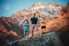 Outdoor Family photoshoot by Dan Childs at 222 Photographic Studios, Queenstown, New Zealand. #nzfamilyphotography #queenstownphotographer Free Photography, Photography Services, Wedding Photography, Pre Wedding Photoshoot, Wedding Shoot, Photographic Studio, Elope Wedding, Engagement Couple, Wedding Portraits