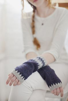 Ravelry: Hege Mitts pattern by Michele Wang