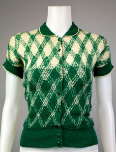 5 Pieces That Defined 1930s Fashion  Great article from sammydvintage.com  1930s Knit Art Deco Design Sweater