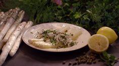 Asperges met ceviche van skrei uit 'De koningin van de groente versus het keukenmeidenverdriet' #KMVB #kokenmetvanboven #kabeljauw #skrei #asperges #voorgerecht