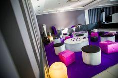 ONE DAY EVENT,  lounge, espace détente, violet fuchsia