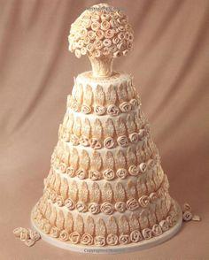 Bolo de casamento romântico com flores em branco | Romantic wedding cakes with a flower detail all over