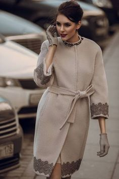 Amazing nude coat with lace details - Miladies.net