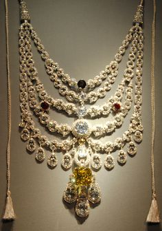 The Patiala necklace made by Cartier for Maharaja Bhupinder Singh in 1928.