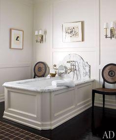 Home Interior Design Ideas .: Liza Giles home decor teal Houston Decorator J. Randall Powers' Refined Houston Home Before and After : Archi. Dream Bathrooms, Beautiful Bathrooms, Bathroom Modern, Contemporary Bathrooms, Glamorous Bathroom, Bathroom Marble, Marble Bath, Concrete Bathroom, White Bathrooms