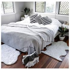 """#regram from @jinxdahlia featuring the Kmart faux sheep skin rugs, black wire basket and Turkish towel! #kmartaddictsunite #kmartstyling #kmartaus…"""