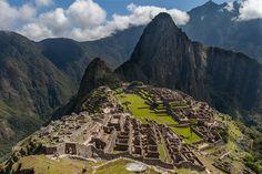 Hiking the Inca Trail to Machu Picchu - Machu Picchu, Places To Travel, Places To See, Travel Stuff, Travel Destinations, Backpacking Peru, Peru Culture, Peru Beaches, Latin Dance