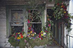 Detroit is flourishing:Florists from across the country fill every nook and cranny of an abandoned house in Detroit with American-grown fresh flowers and plants