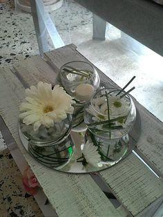 Decoracion de mesas,con margarita,gerberas y velas Margaritas Gerbera, Candles, Table Decorations, Diy, Flowers, Furniture, Home Decor, Color, Desk Arrangements