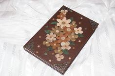 Ежедневник ручной работы из натуральной кожи декорированный цветами из натуральной замши Diary handmade genuine leather decorated with flowers made of genuine leather