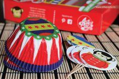 """Caja de regalo con capacillos, banderines y dulces """"Una tarde en el circo"""" www.artepack.co"""