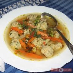 Májgombóc leves Soup Recipes, Cake Recipes, Cooking Recipes, Hungarian Recipes, Hungarian Food, Fruits And Vegetables, Thai Red Curry, Food And Drink, Dishes