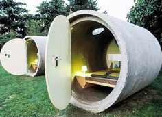 Das Park Hotel - sleep in a sewer pipe in a park. You reserve your room and pay as you wish. Pipe hotels now in Ottensheim near Linz, Austria and in Bernepark near Essen, Germany Design Hotel, House Design, Unusual Hotels, Capsule Hotel, Park Hotel, Dog Hotel, Hotel Motel, Hotel Lobby, Wabi Sabi
