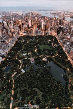 Style beaches Central Park from above - New York City photo by Trent Szmolnik ( on. Central Park from above - New York City photo by Trent Szmolnik ( on Unsplash New York Trip, New York Life, New York City Travel, London Travel, Oh The Places You'll Go, Places To Travel, Places To Visit, Travel Destinations, City Aesthetic