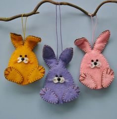 This is for photo reference only. Very cute and looks simple DIY Felt Bunny Ornaments using a blanket stitch.: