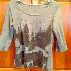 Gray H&M cotton forest shirt size M From the Hennes Organic Cotton Collection, this gray top features a forest pattern with crows. It's a very stretchy cotton shirt. Size M. Purchased for $30 a few years ago. 3/4 length sleeves. H&M Tops Tees - Long Sleeve