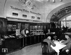 1935 Wartesaal im Bahnhof Friedrichstrasse