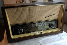 Online veilinghuis Catawiki: Telefunken Concerto 9 vintage buizenradio Spark Gap, Eindhoven, Yesterday And Today, Tv, Jukebox, Chips, Vintage, Crystals, Classic