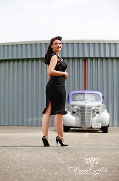 GIRLS & LEGENDARY US-CARS 2016 CALENDAR: From the Rockabilly-Clothing contest-Shooting. // Model: Contest-winner Maggie Wullie // Photo: wwwcarloskella.de // Special thanks to Micha Flum, Mario Wegner & Maria Seliger