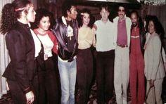 pendule for janet photo: Brenda Richie, Janet Jackson, Michael Jackson , Latoya Jackson, Paul McCartney, Lionel Richie, Quincy Jones, Katherine Jackson at Westlake Studios.Rare photo 1327381736-picsay.jpg