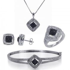 Beautiful Womens Silver Plated 1/4 CTW Diamonds Necklace, Earrings, Bracelet and Size 7 Ring Complete Set Auction