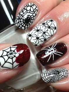 Love everything about these halloween nails