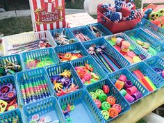 School Carnival Games, Carnival Prizes, Diy Carnival, Spring Carnival, Carnival Themed Party, Carnival Birthday Parties, Carnival Themes, Circus Birthday, Circus Party