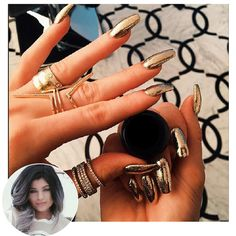 Kylie Jenner Nails - 68 Times Kylie Jenner's Nails Were On Point - Best Nail Art Uñas Kylie Jenner, Ongles Kylie Jenner, Kylie Nails, Coffin Nails Designs Kylie Jenner, Acrylic Nails Kylie Jenner, Metallic Nails, Gold Nails, Matte Nails, Long Nails